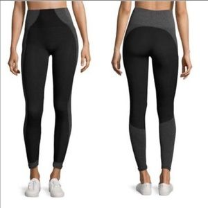 Spanx Curved Lines Seamless Leggings